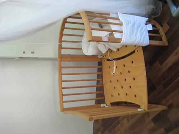 stokke sleepi mit sehr viel zubeh r und spezialumbau zu beistellbett hnlich babybay g nstig. Black Bedroom Furniture Sets. Home Design Ideas